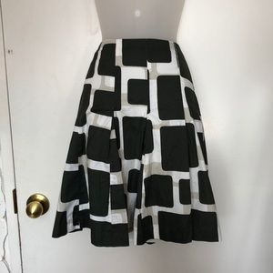 H&M green and white skirt